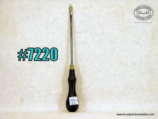 7220 – lace puller – $30.00
