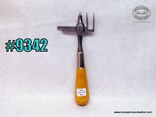 9342 – adjustable gasket and circle cutter – $45.00