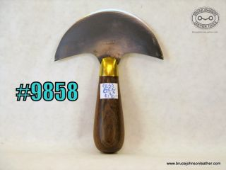 9858 - Gomph 4-1/2 inch wide round knife - $170.00